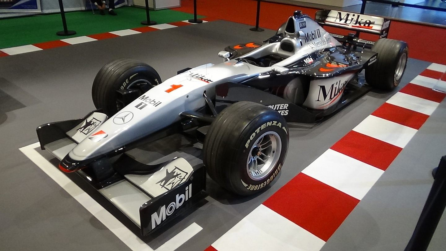 McLaren MP4-13 © youtube.com