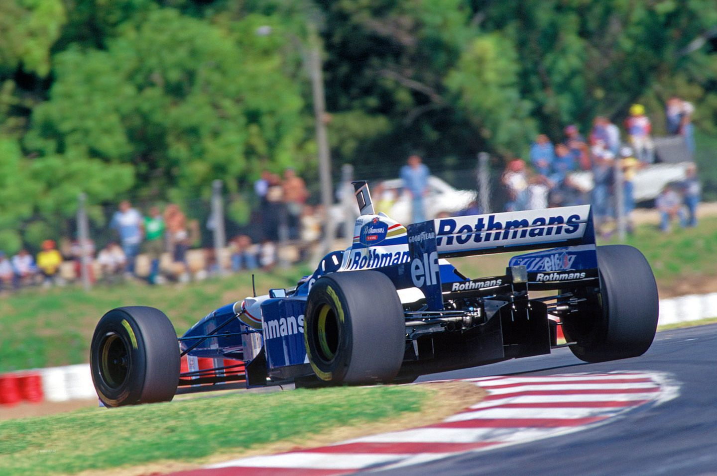 Williams FW18 © f1fanatic.co.uk